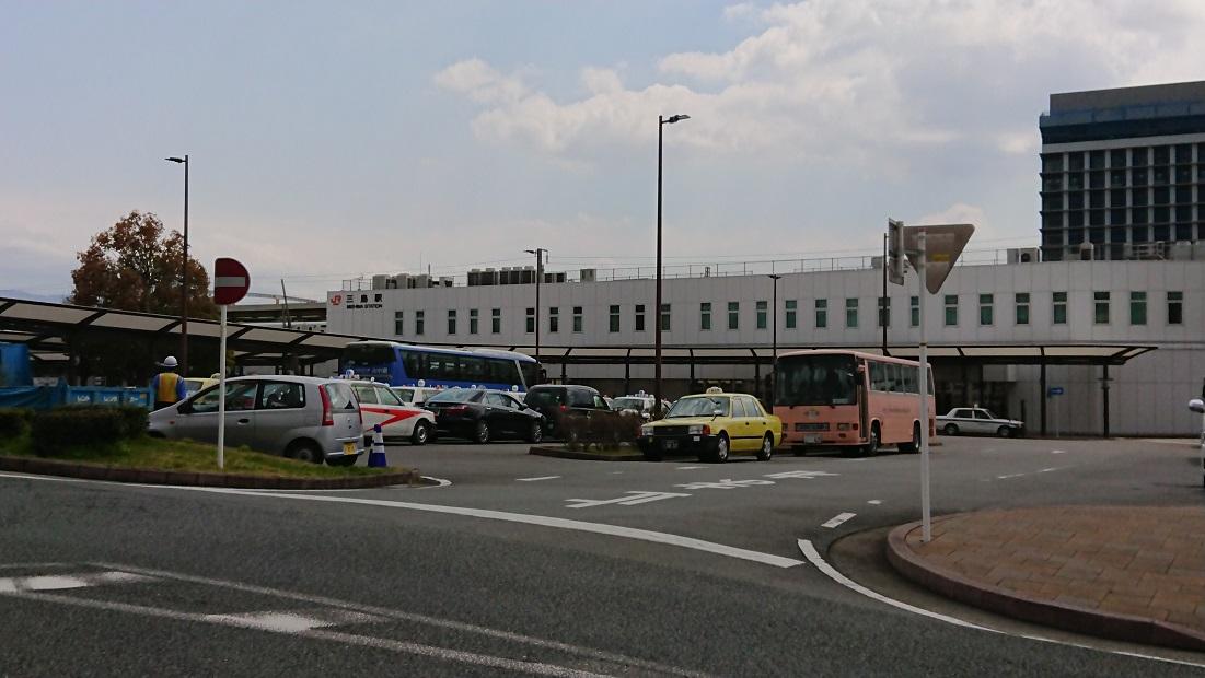 三島駅前のタクシー